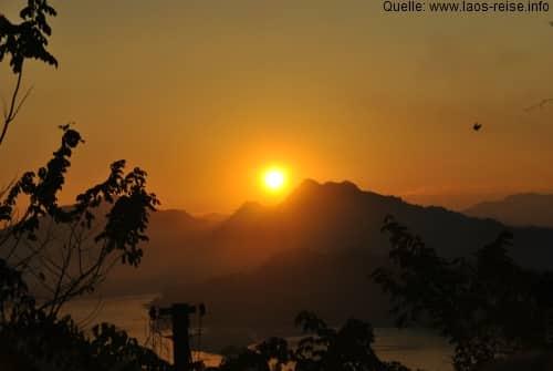 Blick von Phu Si in der Abenddämmerung