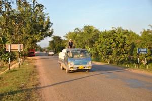 Straßenszene in Savannakhet - Laos